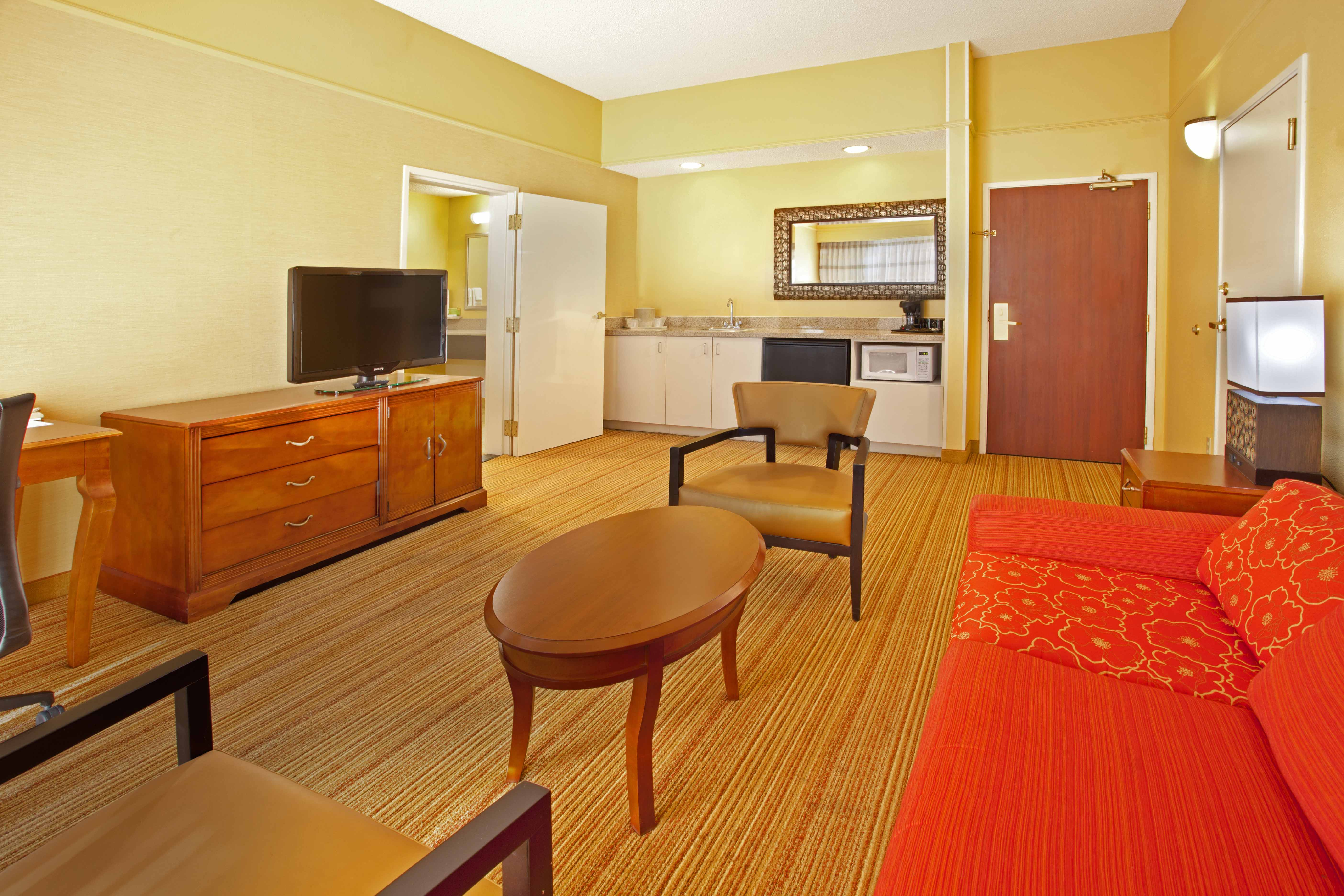 Courtyard Inn El Paso, TX: King Suite