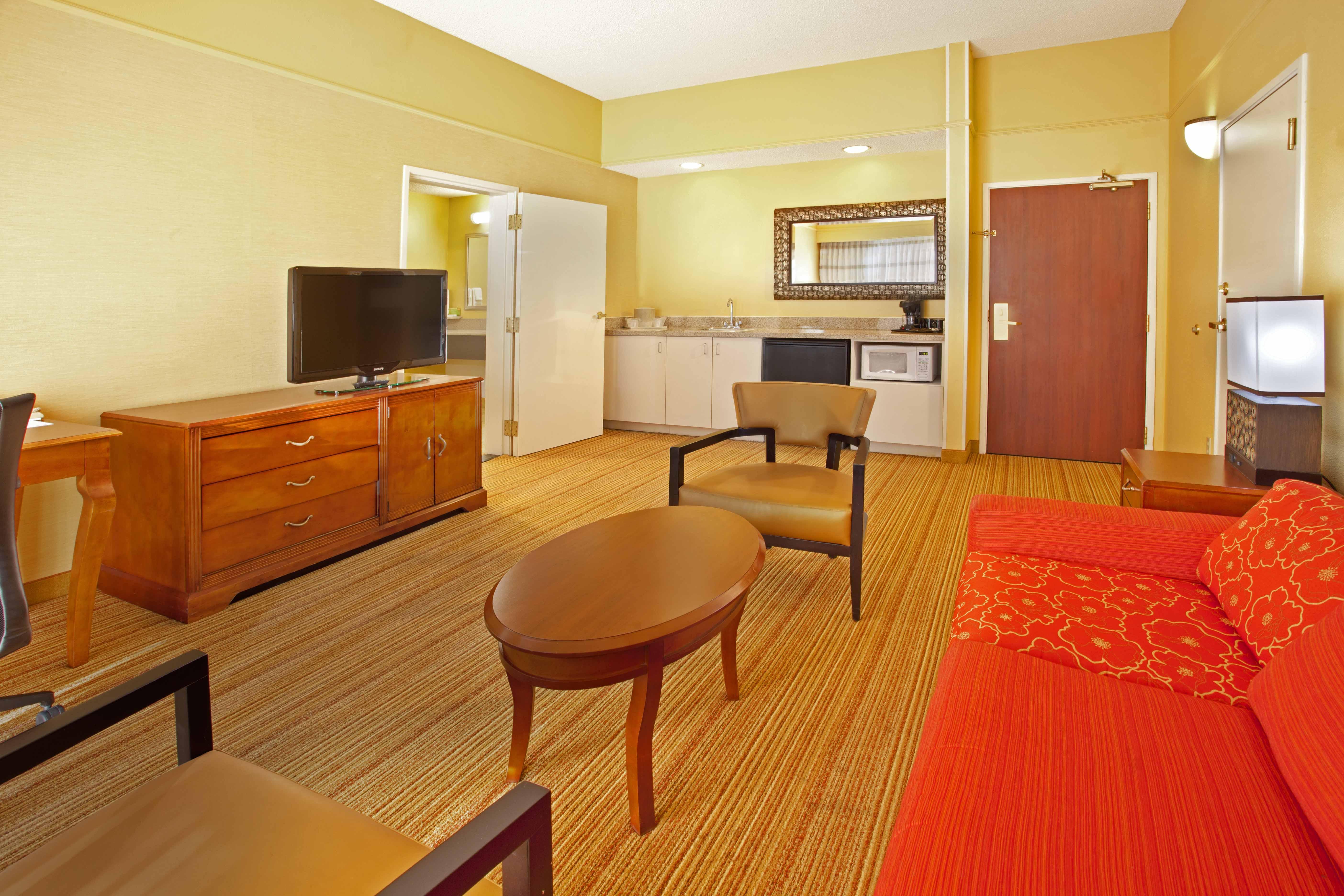 Courtyard Inn El Paso, TX: King Suite