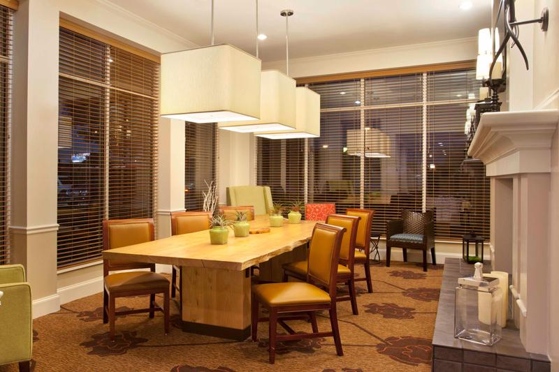 Hilton Garden Inn Dining Area