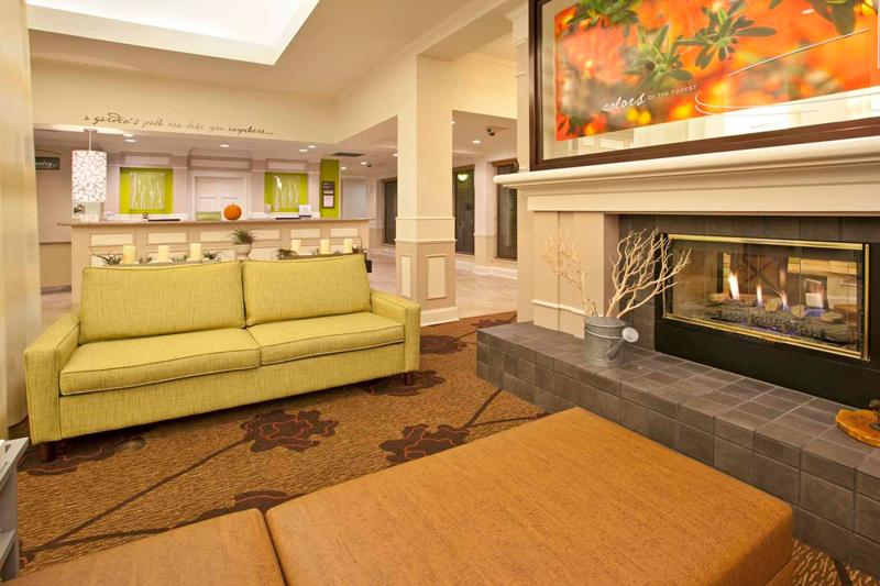 Hilton Garden Inn Sitting Area