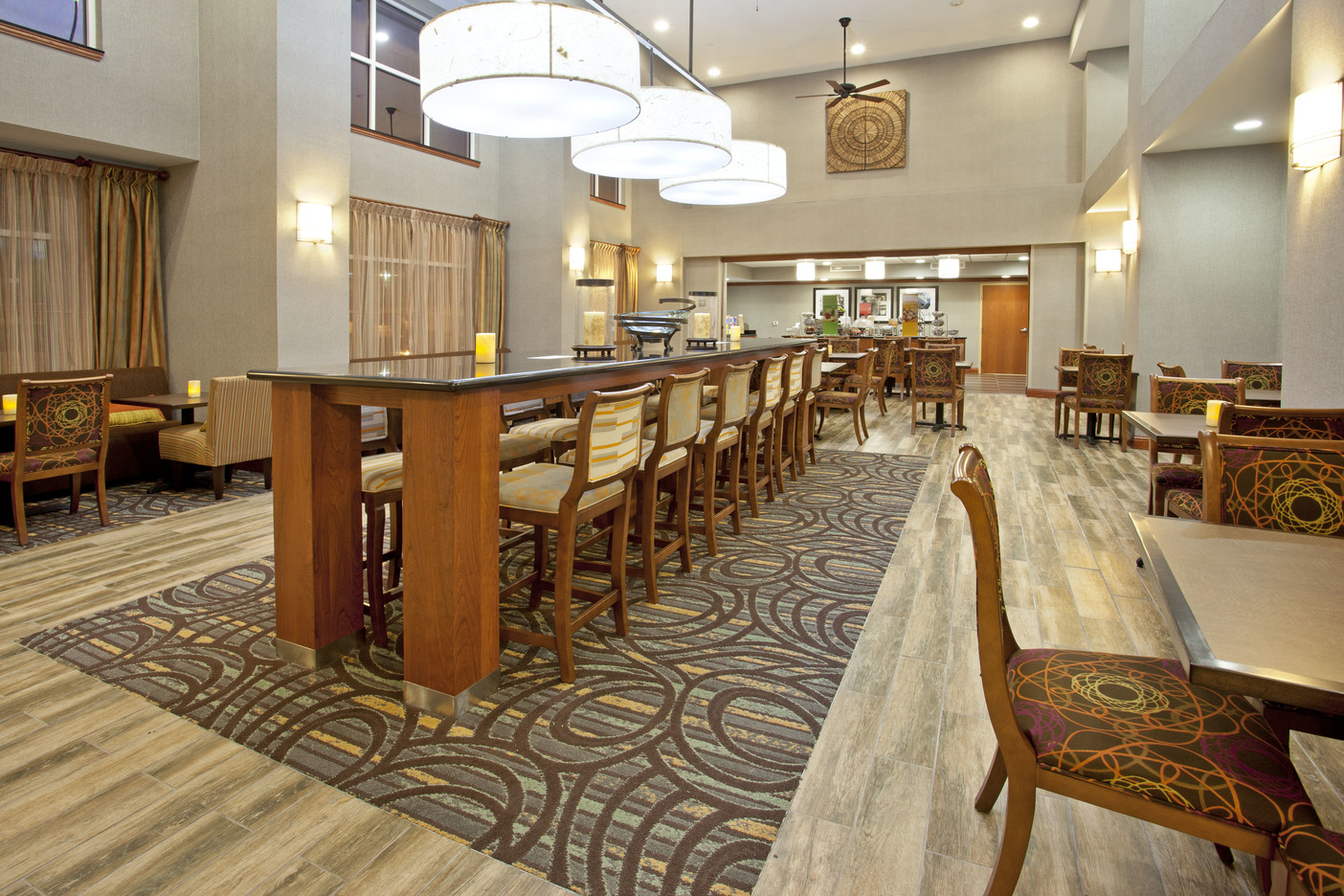 Hampton Inn Fort Worth, TX: Communal Table