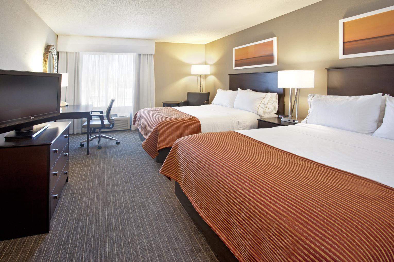 Holiday Inn Express Minnetonka, MN:  Standard Double Queen