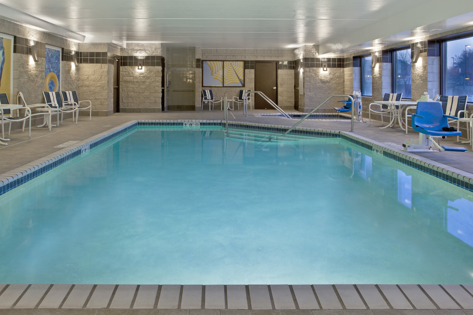 Holiday Inn Express Minnetonka, MN: Pool